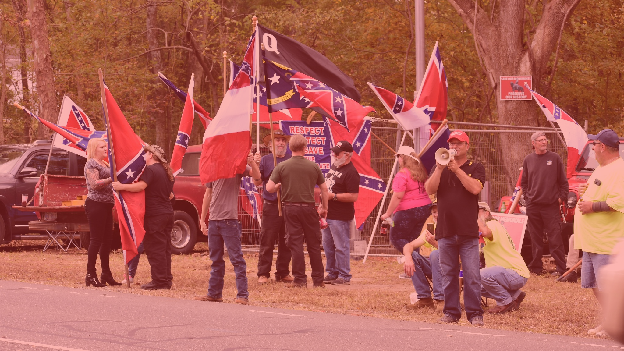 Kathleen Belew – Bring the War Home: The White Power Movement and Paramilitary America